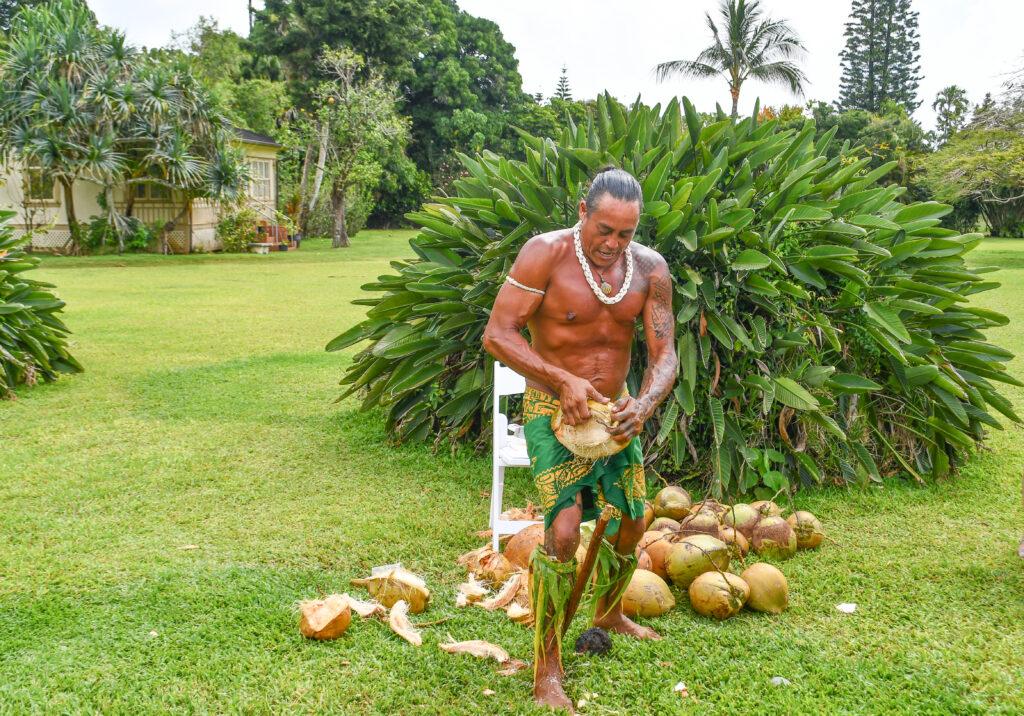Local-Shelling-Coconut
