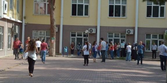 Soma ve Manisa genelinde binlerce öğrenci Üniversiteli olabilmek için ter döktü