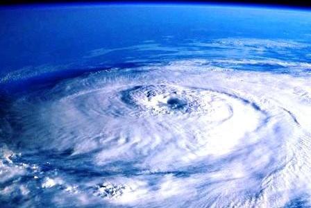 暗雲!!小笠原旅行計画!!空路が無く船でしか行けない小笠原は台風が近づくと船が欠航して旅行計画が潰れます