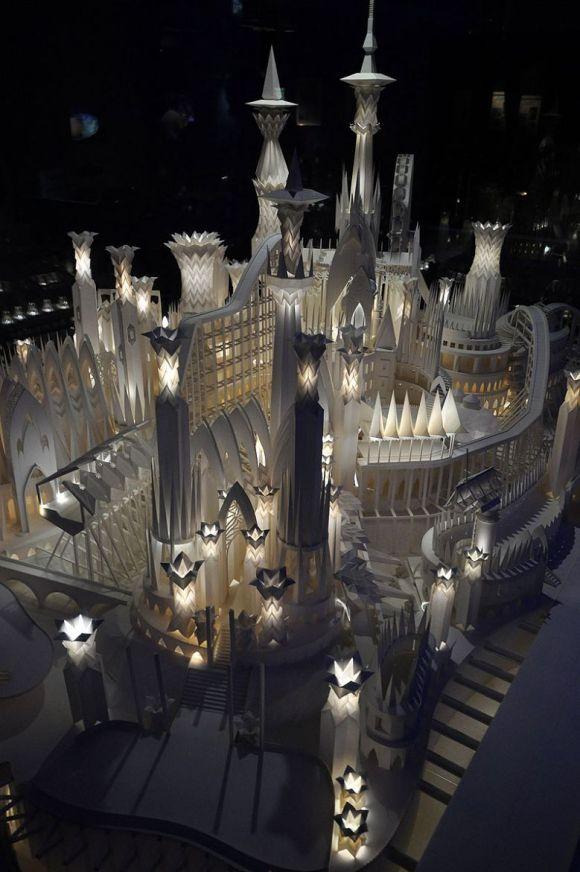 Castelo de Papel construido por Wataru Itou