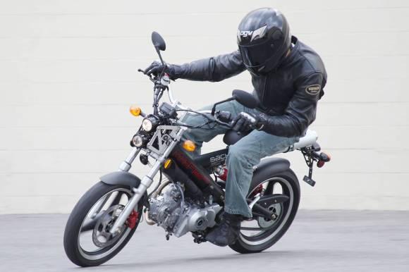 Motocicleta Sachs Madass 125