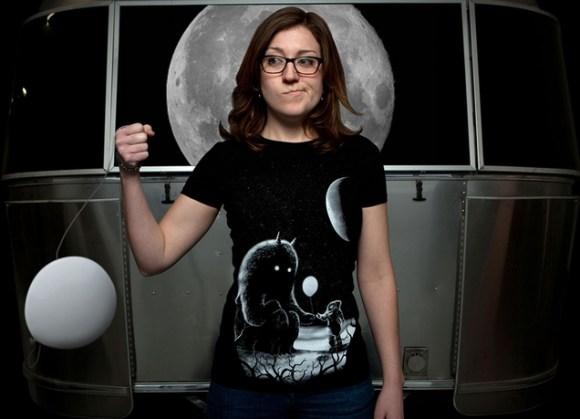 Camiseta feminina criativa
