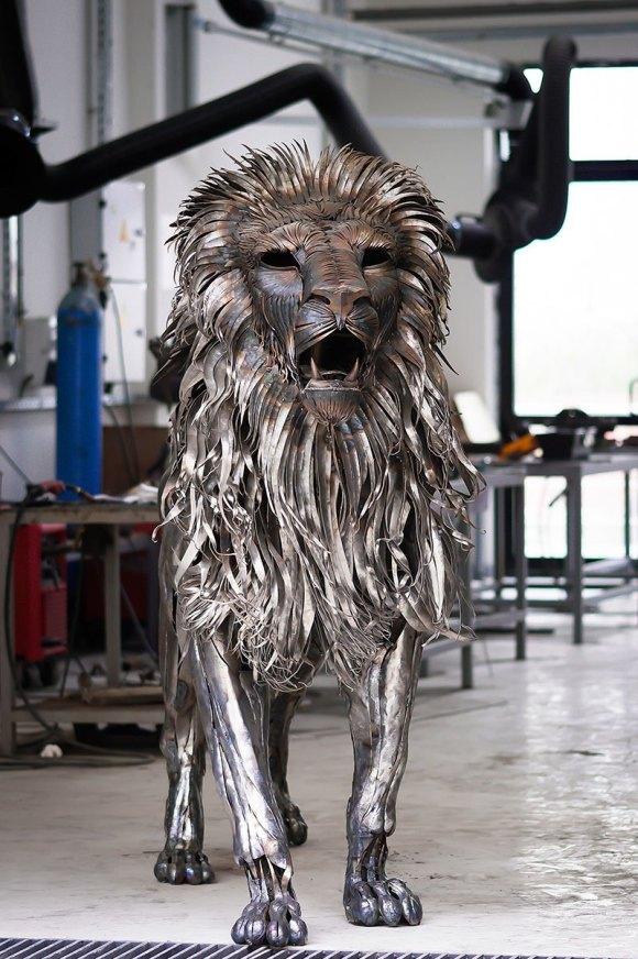 Leão de Metal - Escultura (3)