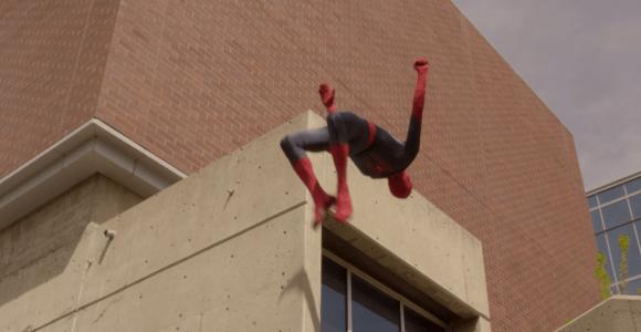 O dia em que acabou a teia do Homem-Aranha e ele recorreu ao parkour