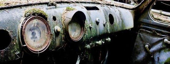 chatillon-car-graveyard-abandoned-cars-vehicle-cemetery-9[1]