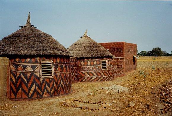 Casas pintadas - aldeia Tiebele (2)