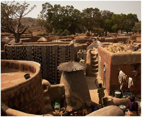Casas pintadas - aldeia Tiebele (3)