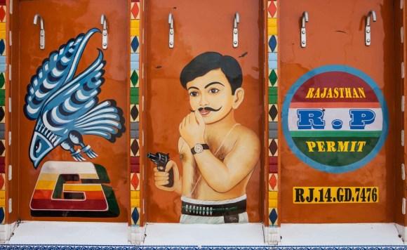Caminhões decorados da Índia - 24