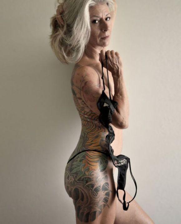 Pessoas mais velhas com tatuagem 7