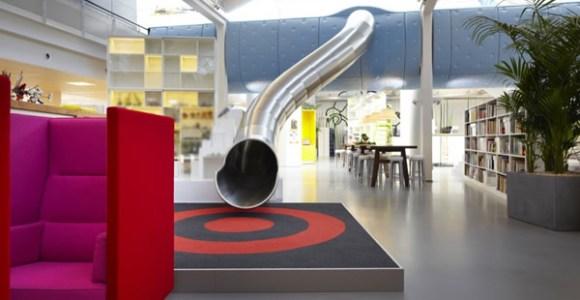 Mais escritórios poderiam se inspirar na LEGO e oferecer diversão aos funcionários!