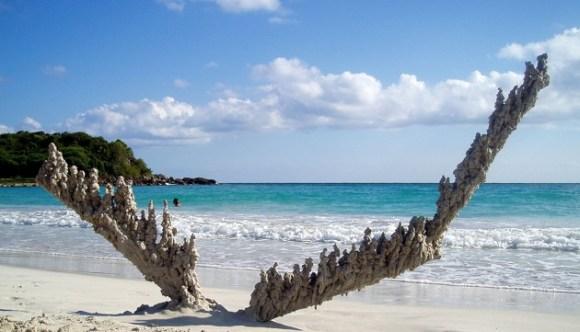 Esculturas de areia diferentes 3