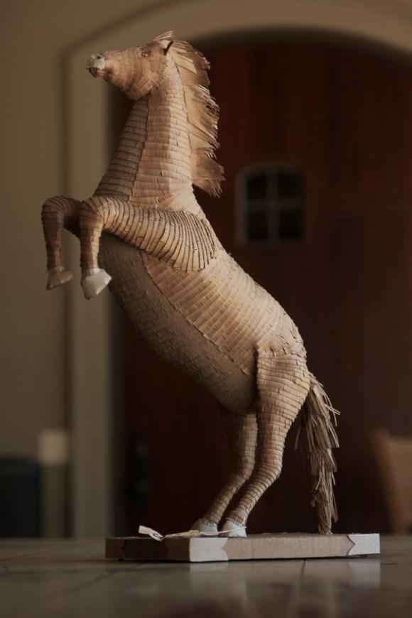 Esculturas de papelão 7