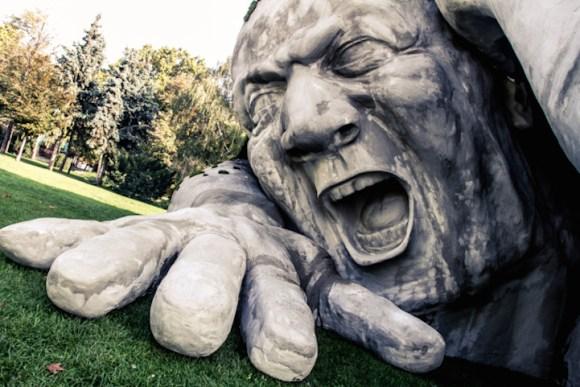 Escultura de um gigante 5
