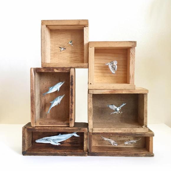 Arte - mundos em caixas de madeira 11