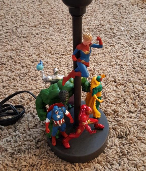 action-figure-lamp-3[1]