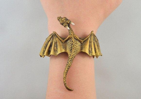 Colar e pulseira de dragão 6