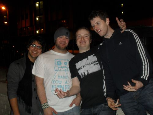 Gustav, me, Gordon and Paul (pre-gig, no signs of the afore mentioned dancing indused sweatiness yet!)