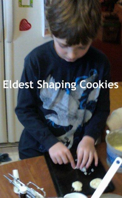 Eldest Shaping cookies