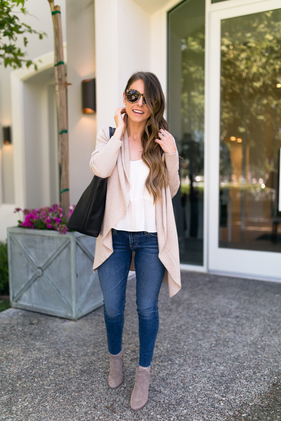 Daryl-Ann Denner wears Leith Easy Circle Cardigan from the Nordstrom Anniversary Sale 2017 with Vince Camuto Fileana booties and AG Skinny Jeans