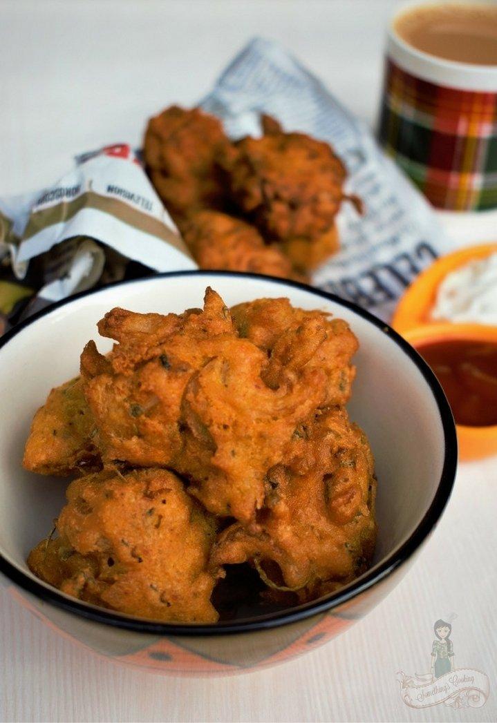Kanda Bhaji - How to make Onion Pakora - Onion Fritters Indian style