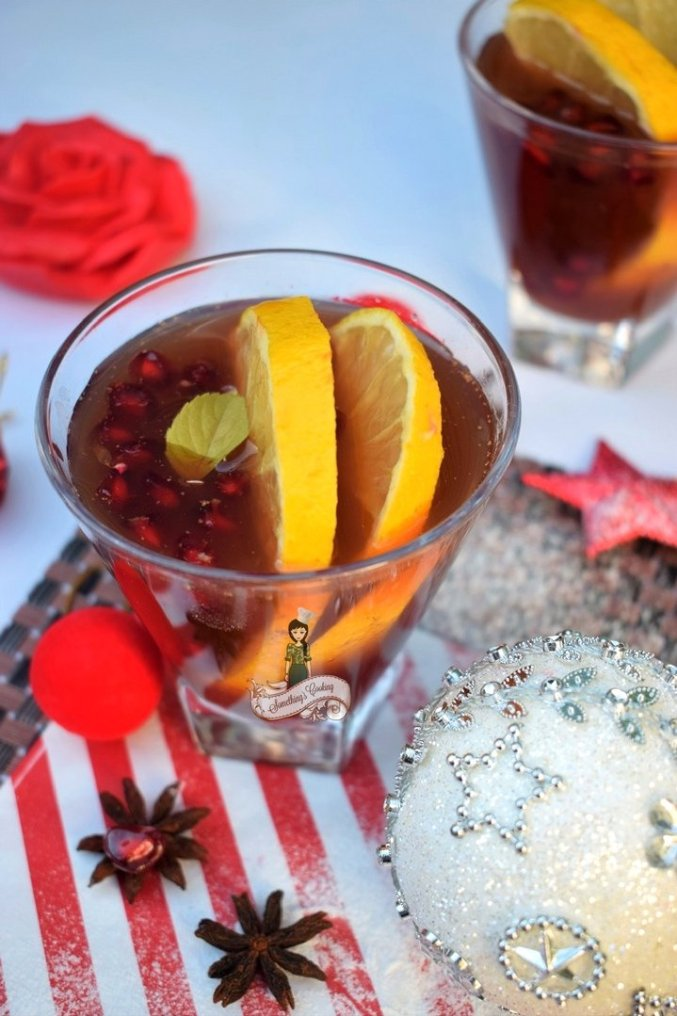 How to prepare winter Sangria with citrus and pomegranate