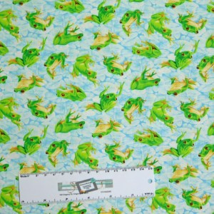 Patchwork Quilting Sewing Fabric FROLICKING FROGS 50x55cm FQ New