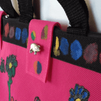 How to Fabric Paint Fashion Handbags