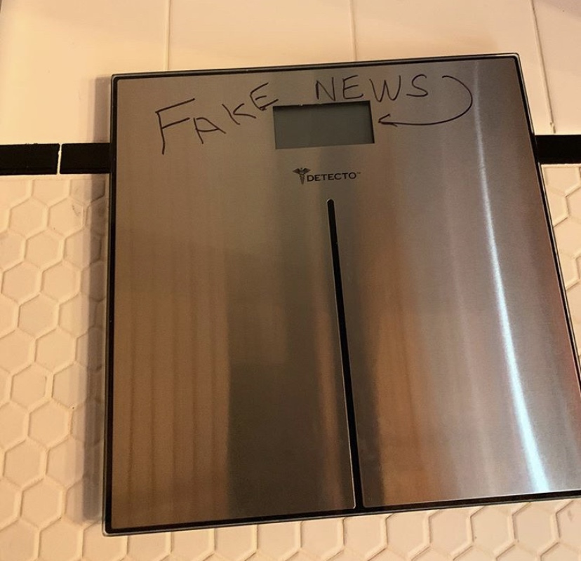 Fake news weight scale