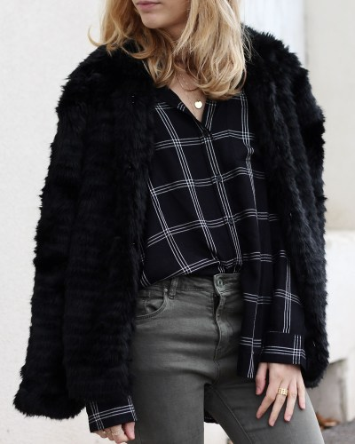 Faux-fur coat & kaki jeans