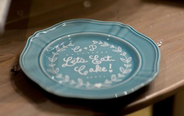 How To Make A Custom Diy Wedding Cake Plate