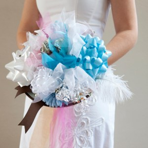 Bridal shower ribbon bow-quet