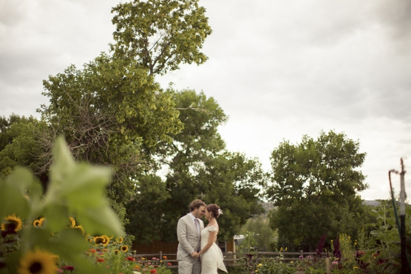 ST_Ashley_Davis_Photography_farm_wedding_0001.jpg