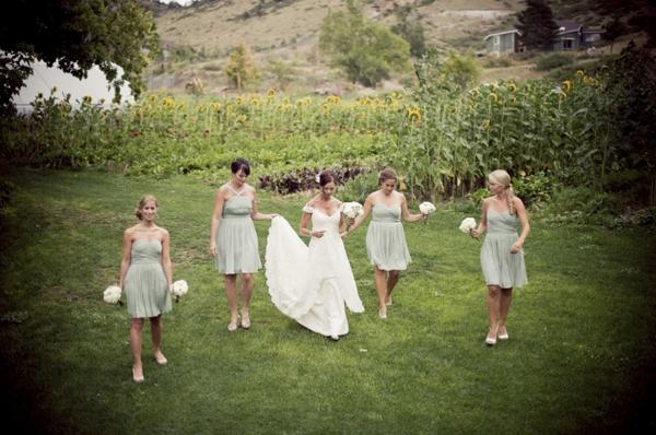 ST_Ashley_Davis_Photography_farm_wedding_0016.jpg