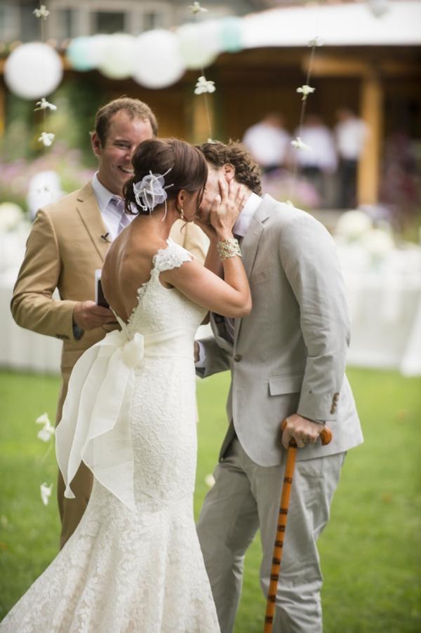 ST_Ashley_Davis_Photography_farm_wedding_0019.jpg