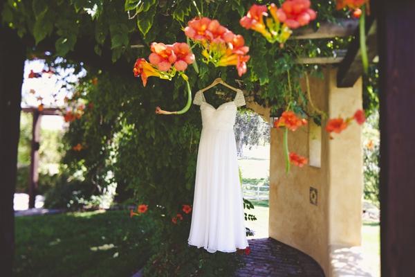 ST_Sarah_Kathleen_vineyard_wedding_0003.jpg