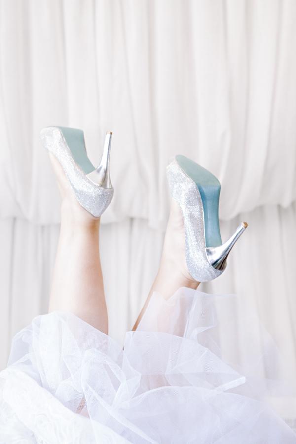 ST_DIY_painted_something_blue_shoe_soles_0010.jpg