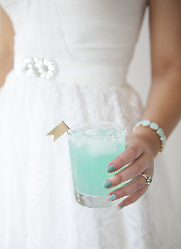 Caribbean Mist, a color themed cocktail- Eat, {Drink}, and Be Married on EarlyIvy.com
