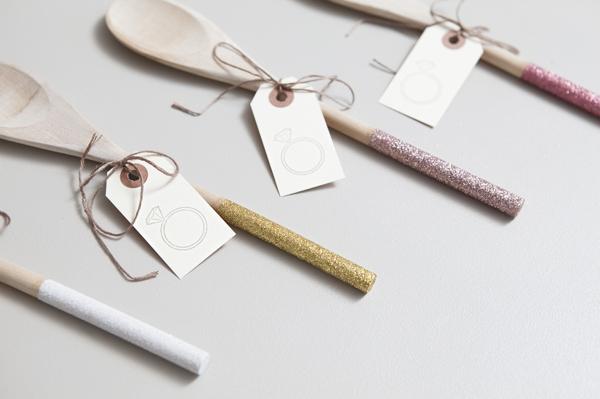 ST_DIY_glam_glittered_wooden_spoon_wedding_favors_0009.jpg