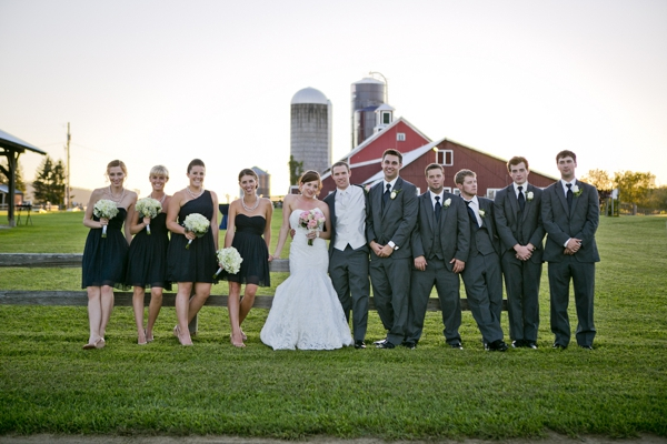 ST_Ampersand_Wedding_Photography_rustic_barn_wedding_0018.jpg