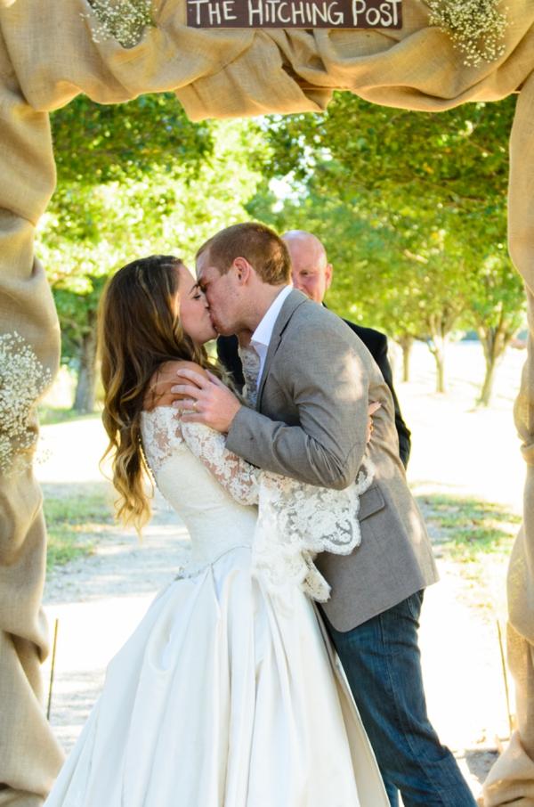 ST_Elizabeth_Henson_Photos_rustic_DIY_wedding_0024.jpg