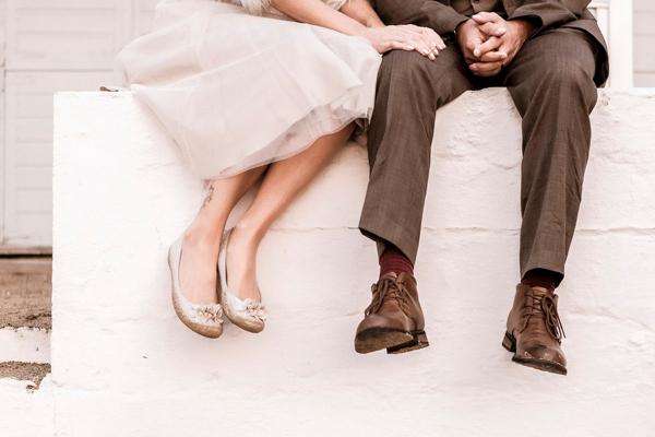 ST_uk-wedding-photography-charlene-morton-photography-beach-elopement_0026.jpg