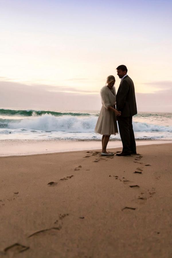 ST_uk-wedding-photography-charlene-morton-photography-beach-elopement_0027.jpg