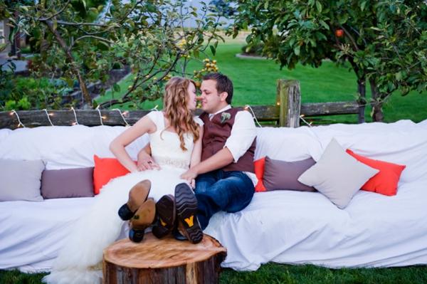 ST-Kristy-Klaassen_Photography-rustic-barn-wedding_0041.jpg