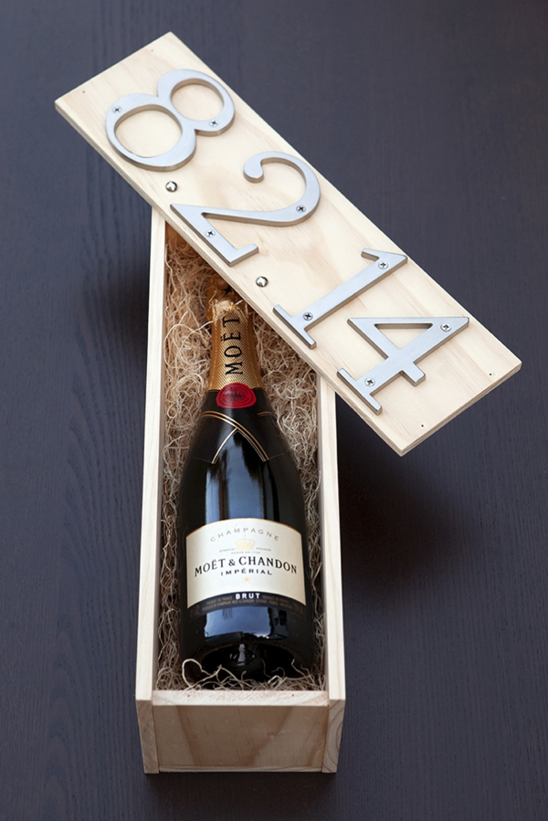 SomethingTurquoise_DIY_wedding_ceremony_wine_box_0033.jpg