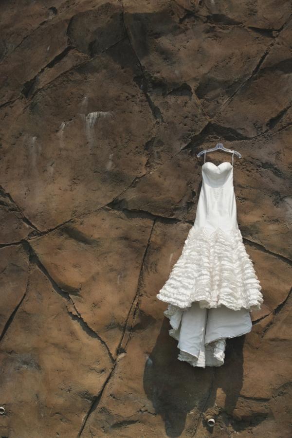 SomethingTurquoise-DIY-beach-wedding-Tony-Gambino-Photography_0002.jpg
