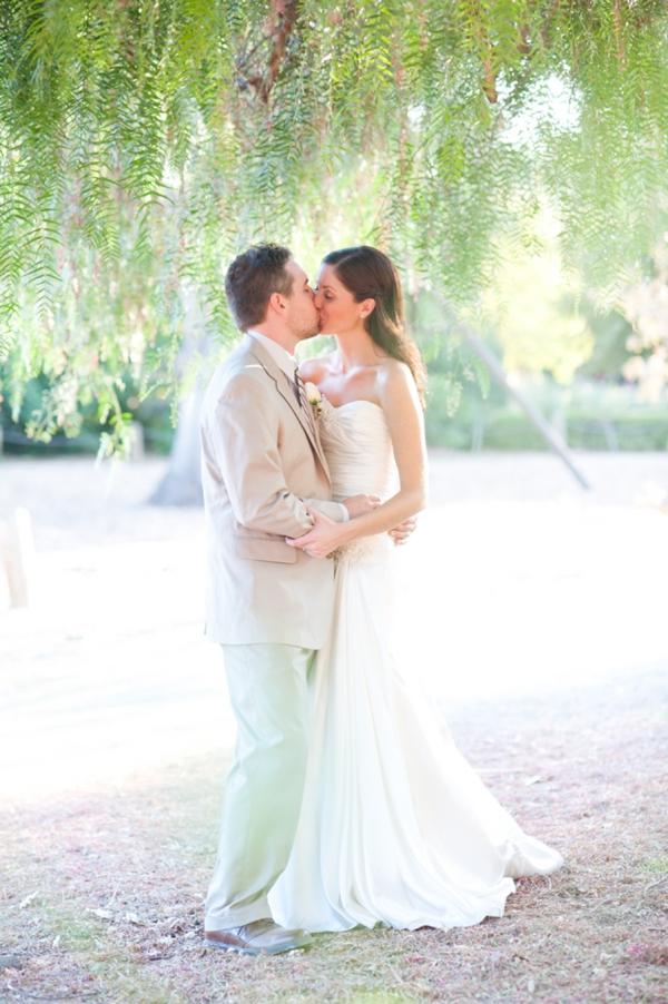 SomethingTurquoise_DIY_wedding_Candice_Benjamin_Photography_0025.jpg