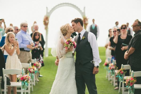 SomethingTurquoise_DIY_beach_wedding_Jennefer_Wilson_0026.jpg