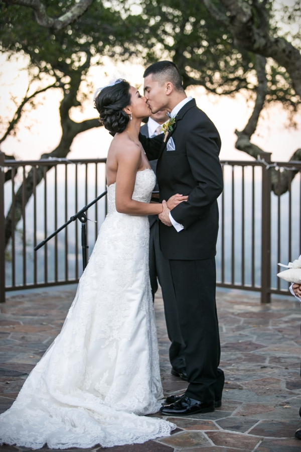 SomethingTurquoise_DIY_vineyard_wedding_Evan_Chung_Photography_0024.jpg