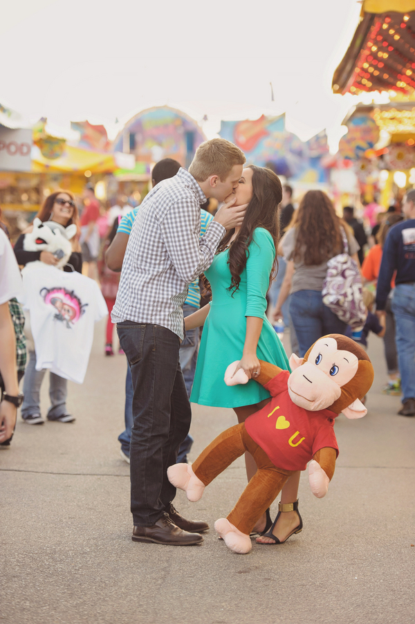 Carnival-Engagement-Julia-Laible-Photography