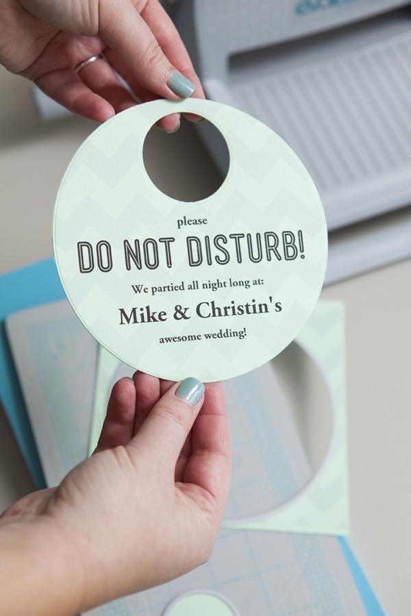 SomethingTurquoise_DIY-Do-Not-Disturb-Sign_0006.jpg